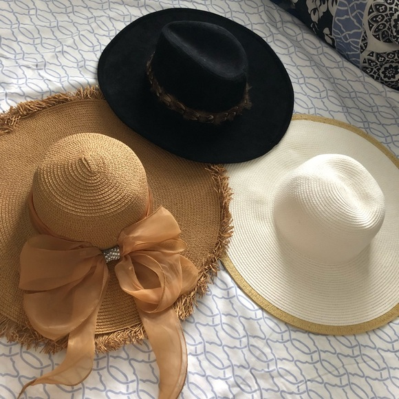 e58058b5206 Forever 21 Target Accessories - Lot of 3 hats! Sun straw feather beach  fedora